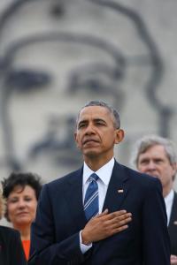 Obama con el Che de fondo